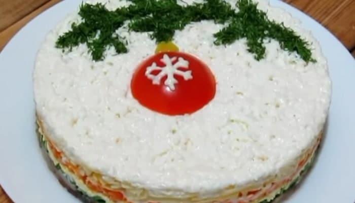 как приготовить слоёный салат новогодний