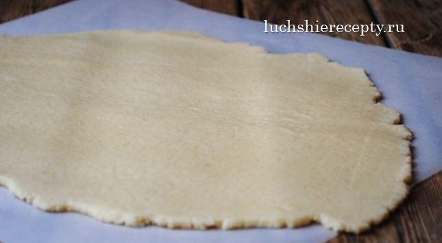 раскатываем готовое тесто