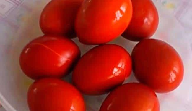 яйца в луковой шелухе готовы