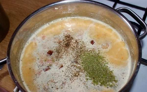 отправляем в суп рёбрышки со специями