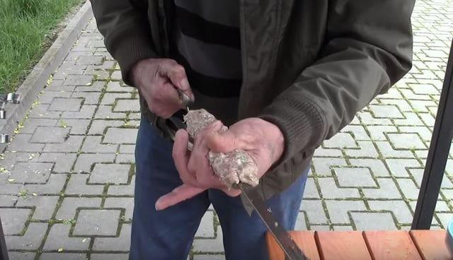 нанизываем биточки на шампура