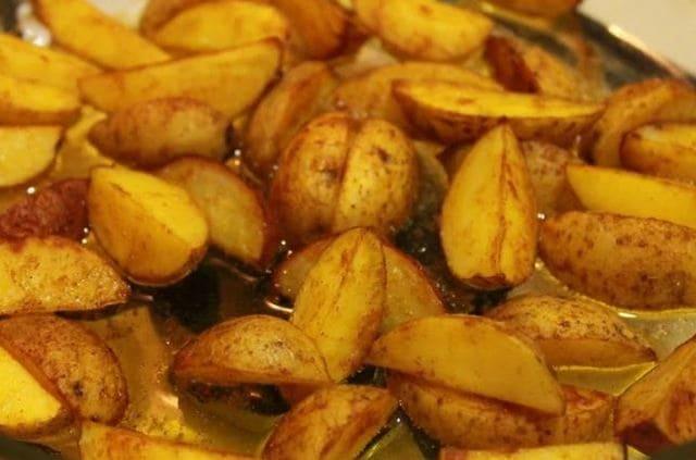 картошка по-деревенски рецепт в духовке пошагово