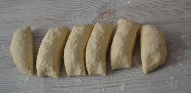 делим тесто на 6 частей