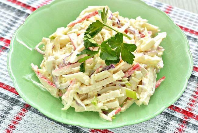 рецепт крабового салата с сыром