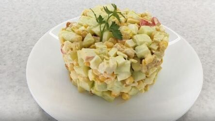Салат с крабовыми палочками и сухариками - рецепт с фото + видео