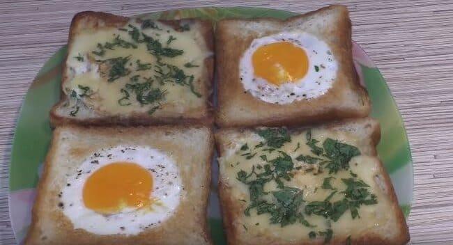 бутерброды с яйцом и сыром на сковороде