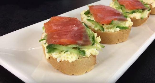 как приготовить бутерброды с семгой на багете