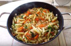 Макароны с фаршем на сковороде: подробный пошаговый рецепт