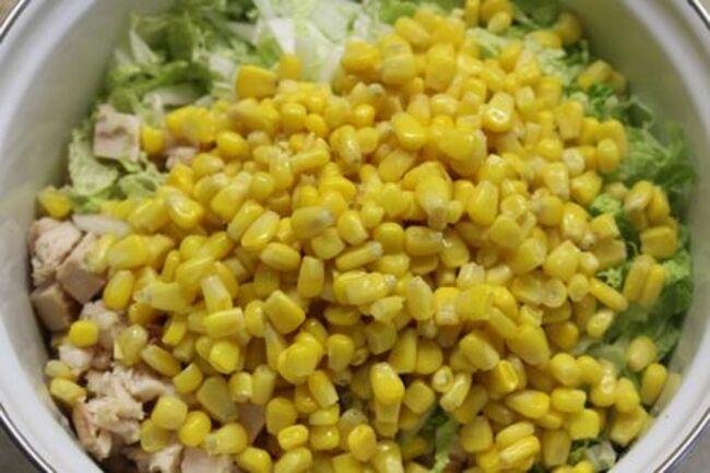 с кукурузы сливаем воду и промываем водой