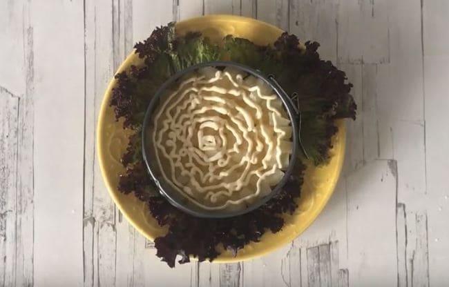 второй слой нарезанные ананасы