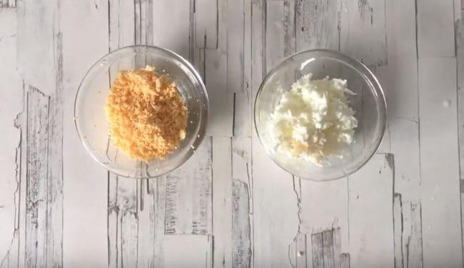 яйца варим, чистим, и также режем кубиками