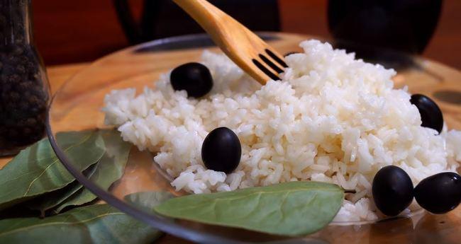 как сварить рассыпчатый рис в кастрюле на воде