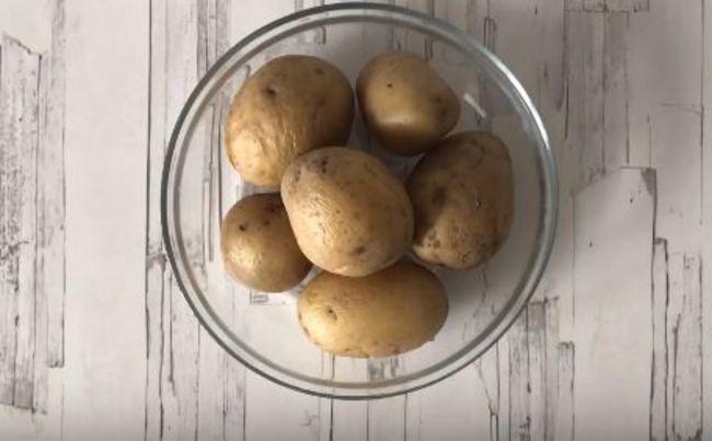 картошку варим в мундирах