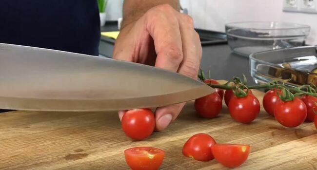 помидорки черри режем просто пополам