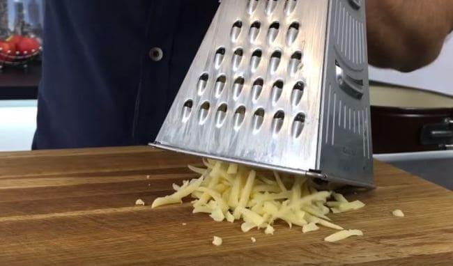сыр твёрдый также трем на крупной терке