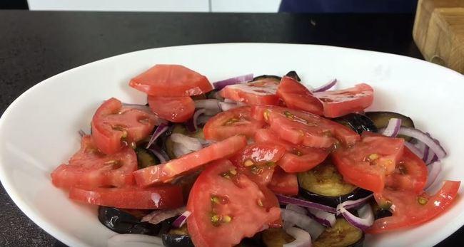 третий слой помидоры