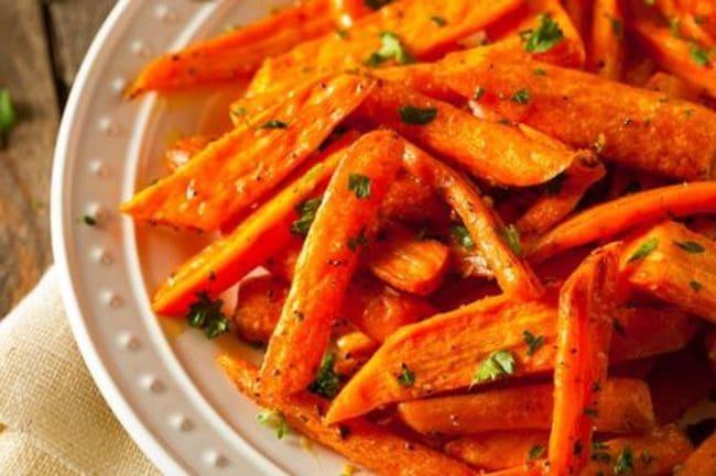 как запечь морковь в духовке кусочками