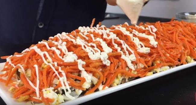 морковь по корейски смазываем майонезом