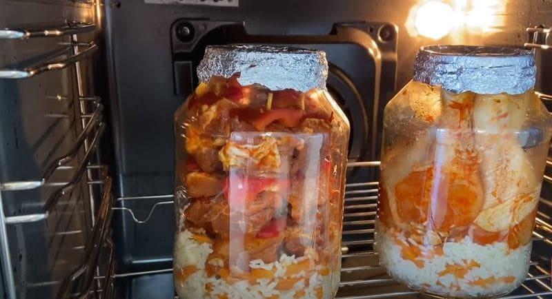 банки необходимо поставить в холодную духовку