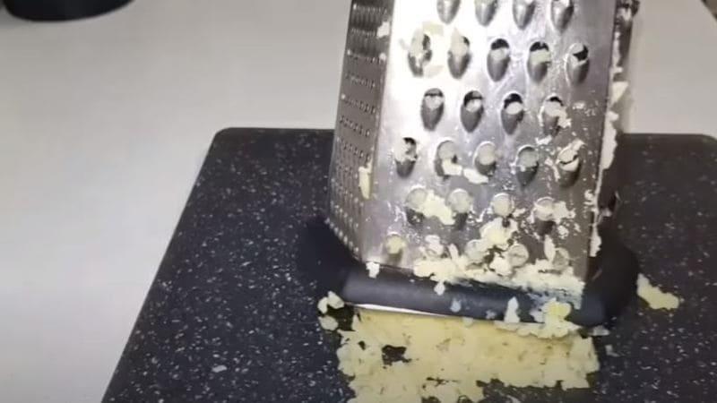 вареный картофель натрем на большой терке