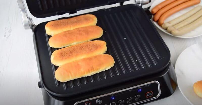 булочки жарим на сковороде или на гриле