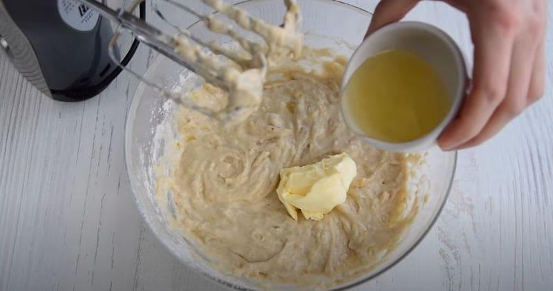 добавляем мягкое сливочное масло