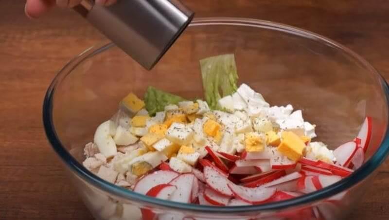 поперчить салатик по вкусу