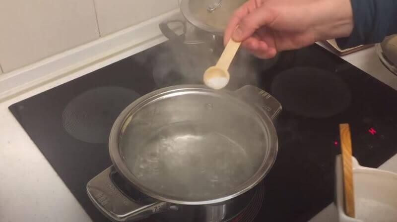 варите макароны в большом количестве воды