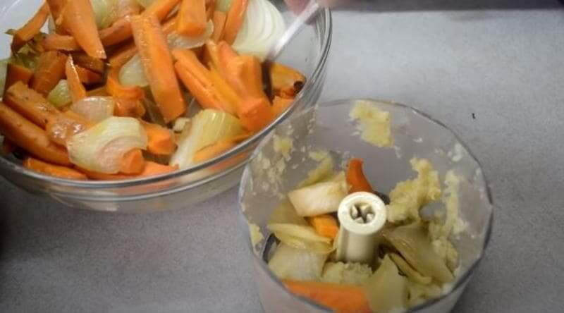 остальные овощи измельчаем в миксере