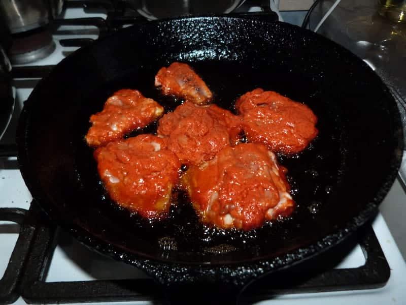 жарим рыбу на сковороде с обеих сторон