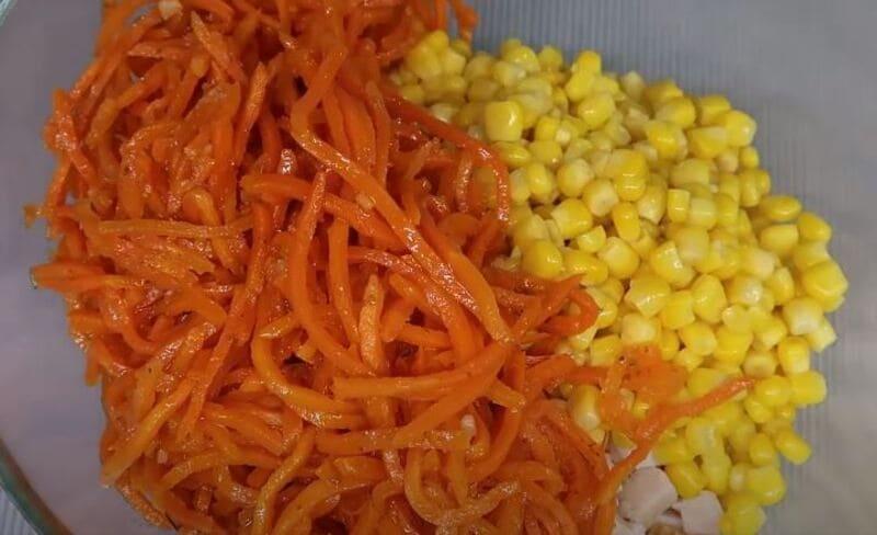 в салат добавляем корейскую морковь