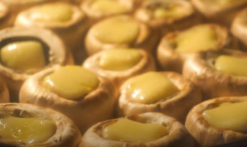 грибы с сыром запекаем в духовке