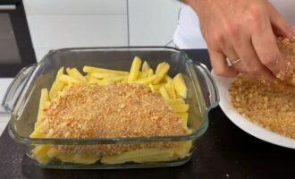 куриное филе выкладываем на картошку