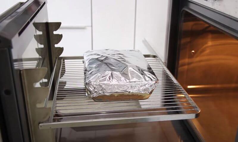 отправляем картофельную запеканку в духовку