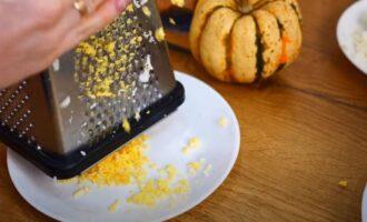 яичные желтки трем на средней терке