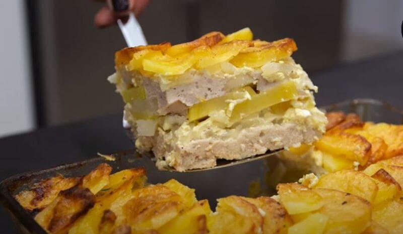 запеканка из картофеля с фаршем в сметанном соусе