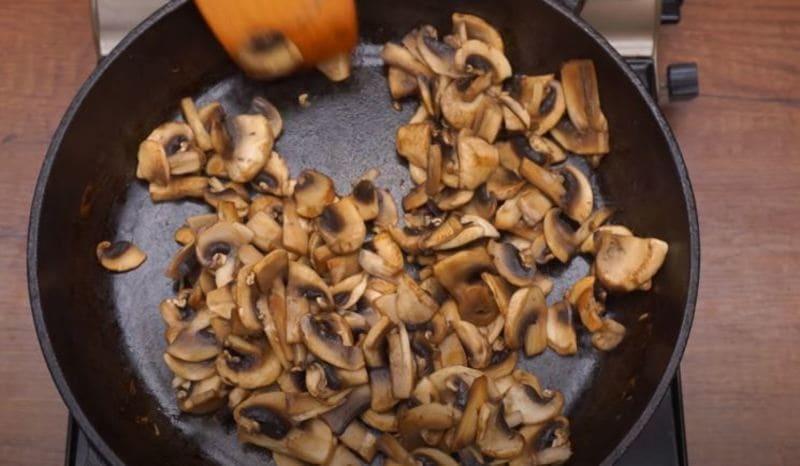 жаримы грибы на сковороде