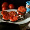 баклажаны жареные с чесноком и помидорами